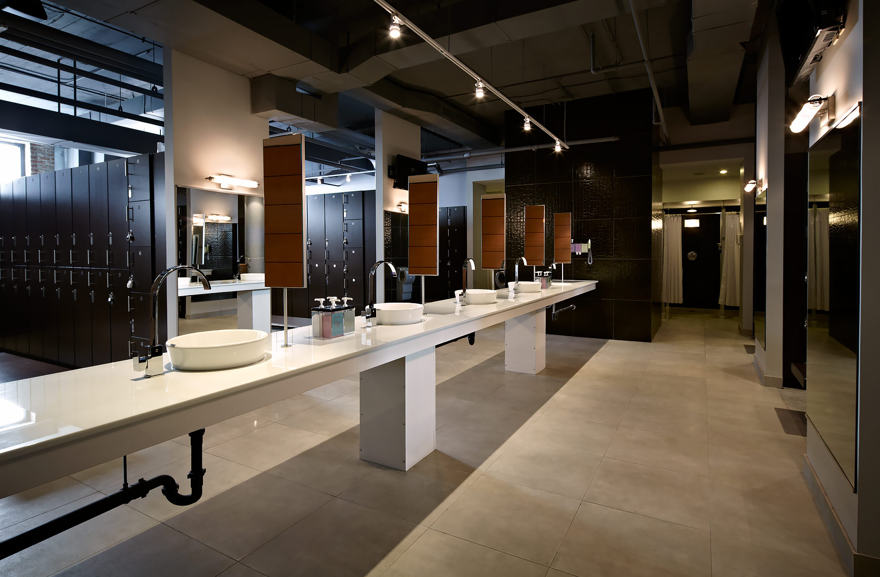 ARCHITECTURE-Retail18-VIDA-U-St-Bathroom
