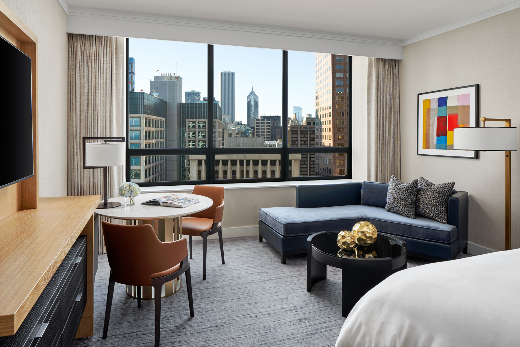 HOTELS-RC81-Ritz-Carlton-Chicago8_King_City_View