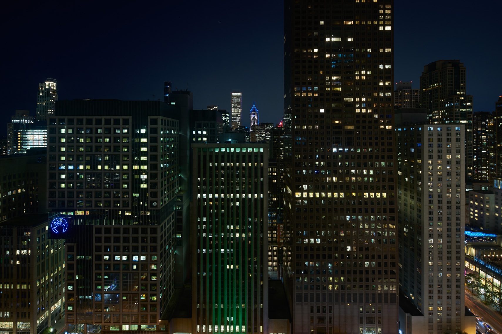 HOTELS-RC91-Ritz-Carlton-Chicago18_Night_View_2