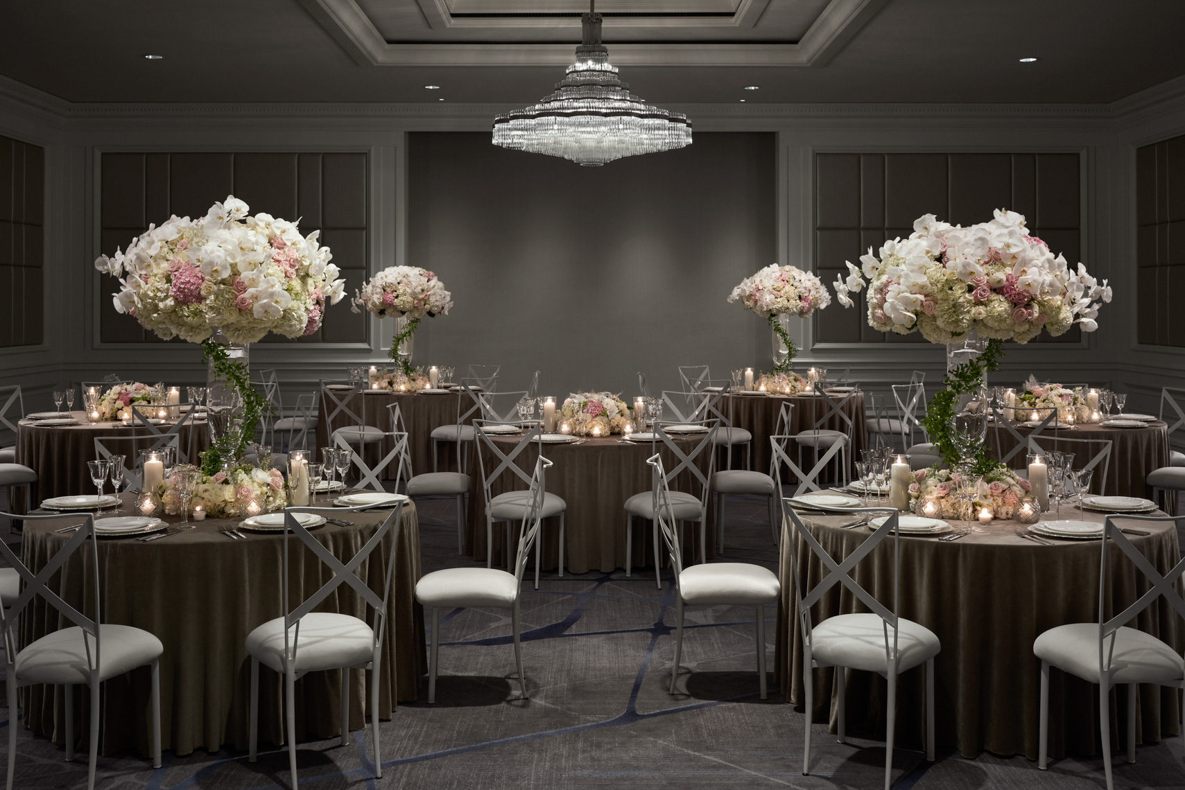 HOTELS-Spaces75-Ritz-Carlton-Cleveland5